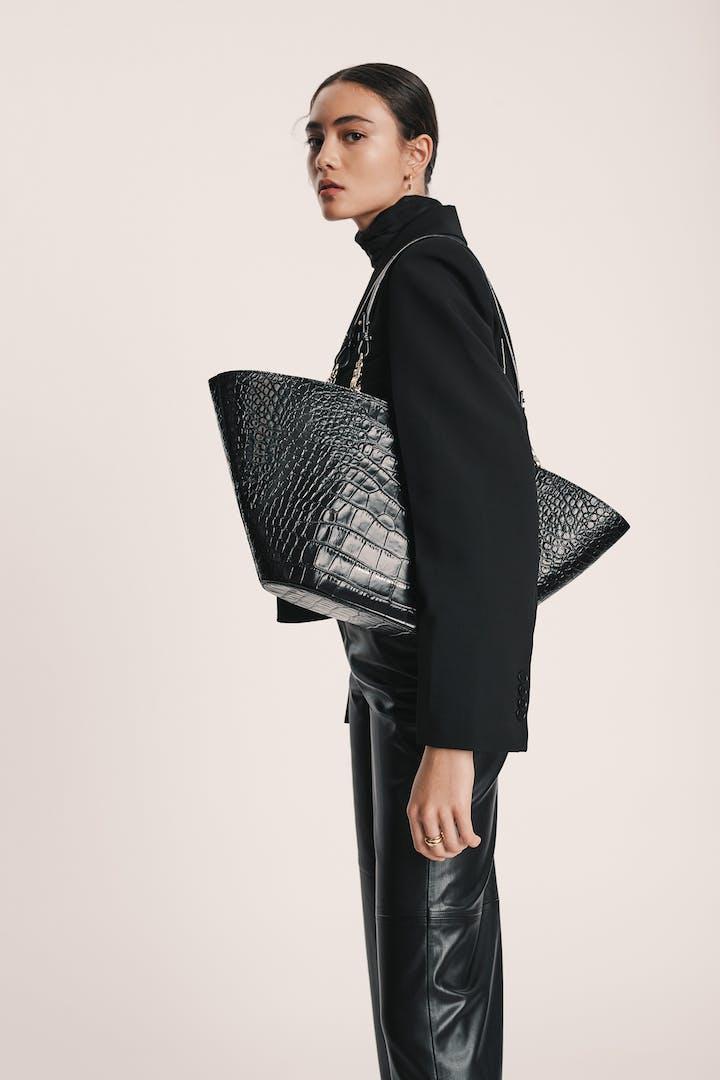 "Maxi Basket Bag ""glossy black crocodile"""