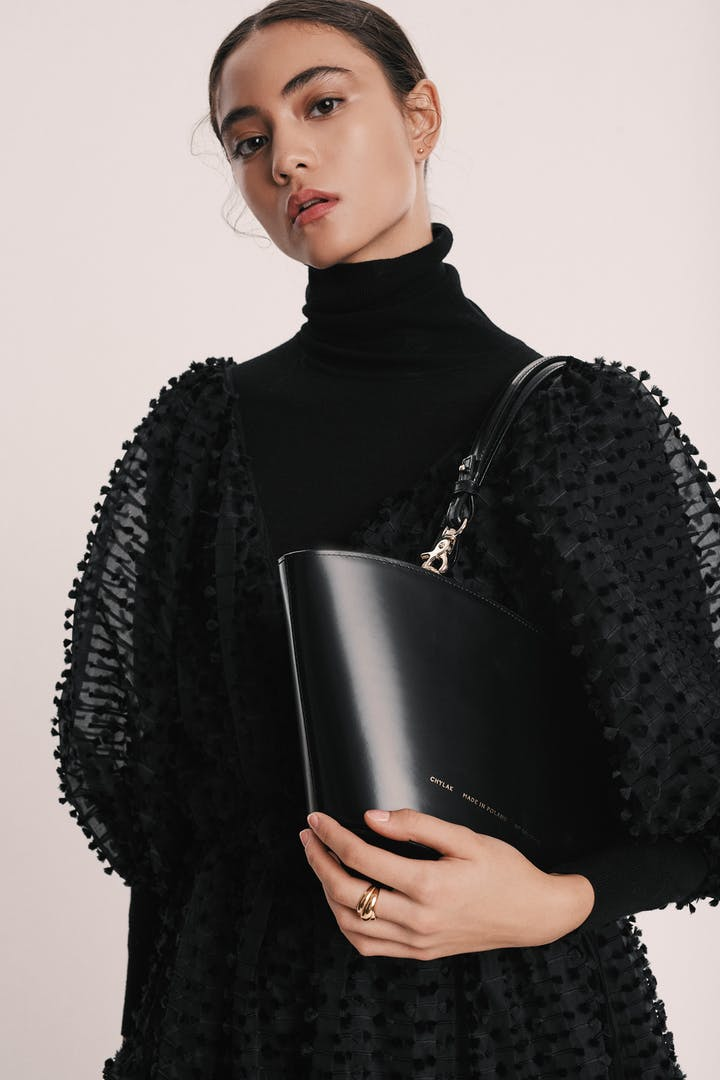 "Small Basket Bag ""glossy black"""