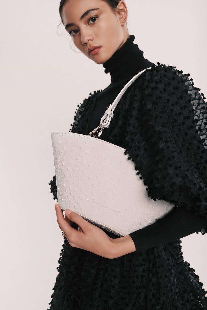 "Small Basket Bag ""white ostrich"""