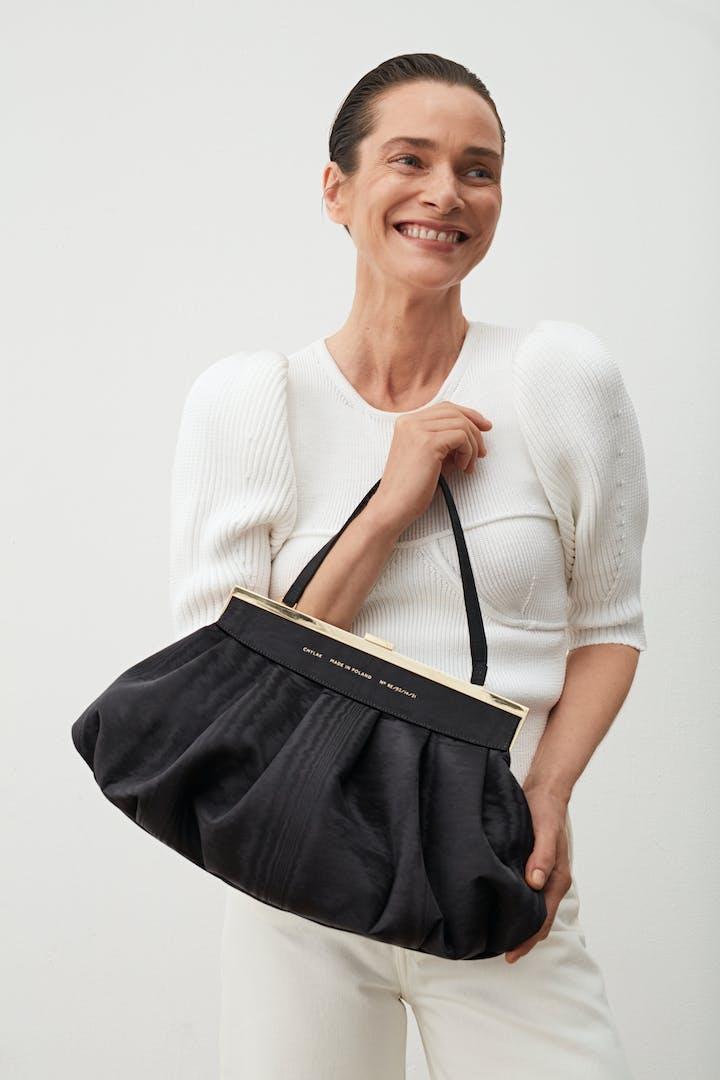 Dumpling Clasp Bag Moiré Black